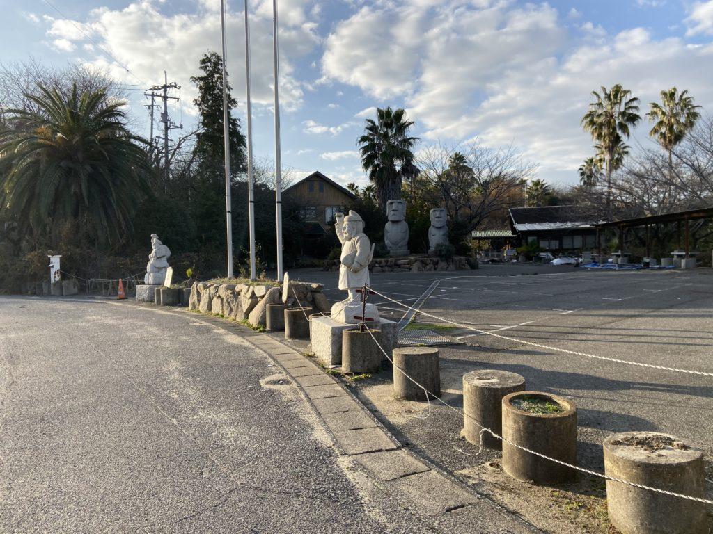 因島のモアイ像