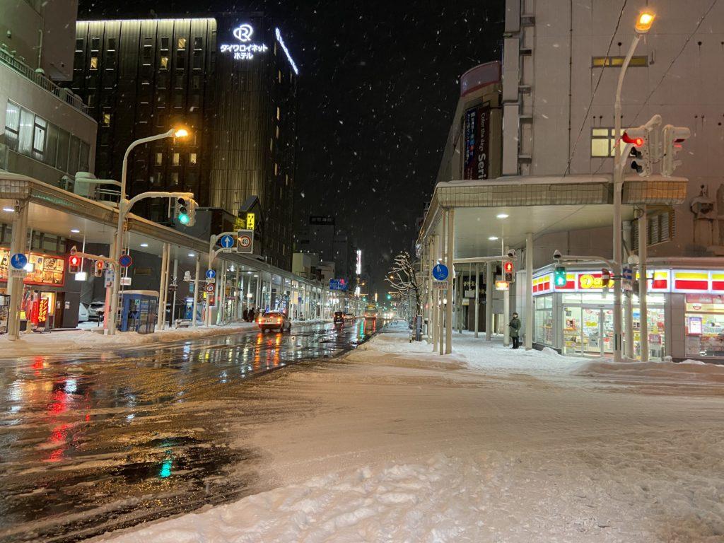 青森駅近くの商店街